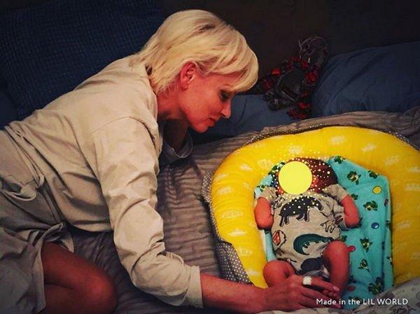 Жанна Эппле показала первое фото своего внука