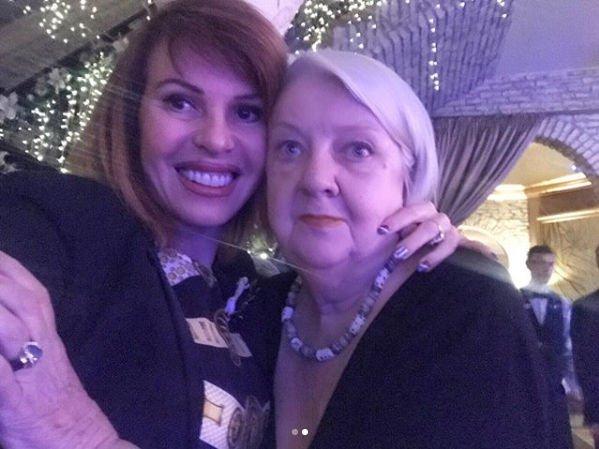 Наталья Штурм недоумевает, зачем рассказывать ложь о ее отношениях с мамой