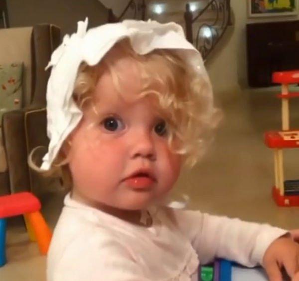 Максим Галкин опубликовал фото дочери в полуторагодовалом возрасте