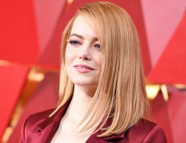 Эмма Стоун в неоднозначном наряде на красной дорожке «Оскар-2018»