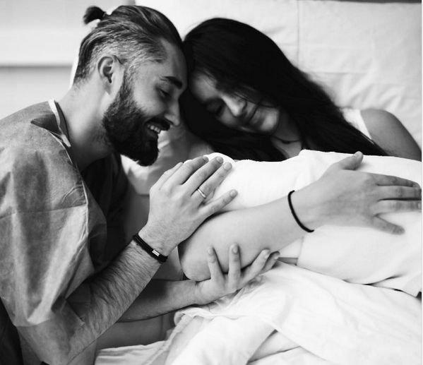 Мот с женой оставили новорожденного сына и уехали в Дубаи