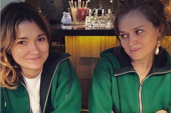 Сестры Михалковы поделились совместным снимком без грамма косметики