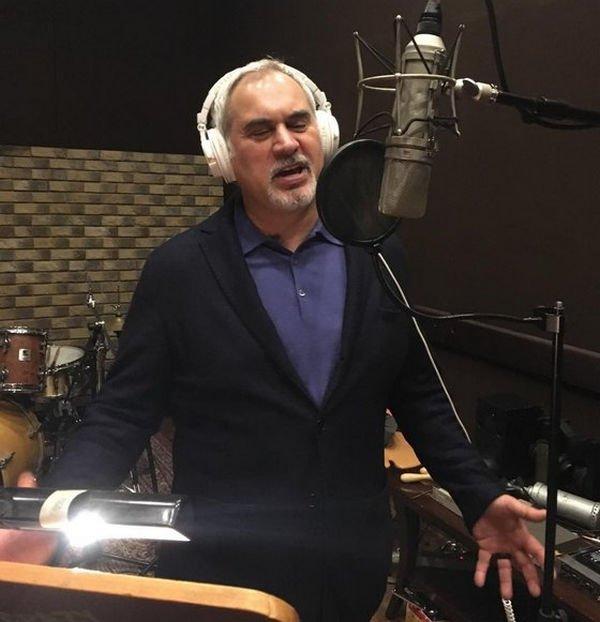Валерий Меладзе высказывается категорически против пения дома