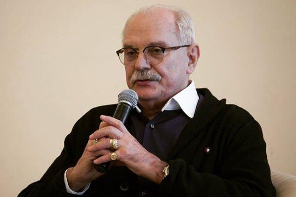 Никиту Михалкова положили в больницу