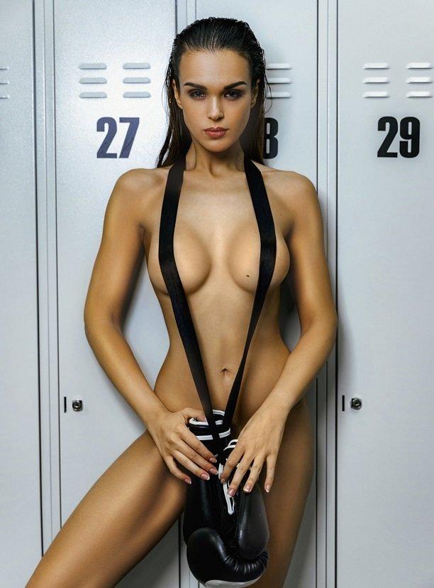 Жаклин Саппет украсила обложку мужского журнала Playboy