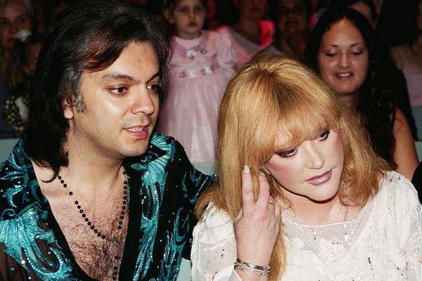 В Сети появились архивные фото со свадьбы Аллы Пугачевой и Филиппа Киркорова