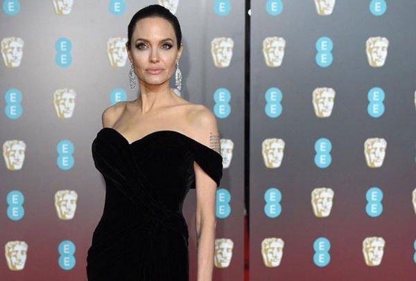 Анджелина Джоли поведала репортерам освоем восприятии человеческой красоты