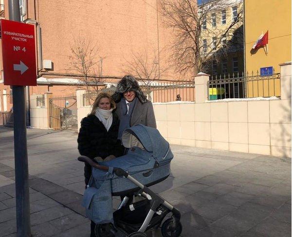 Семейное фото Андрея Малахова вызвало восторг фанатов