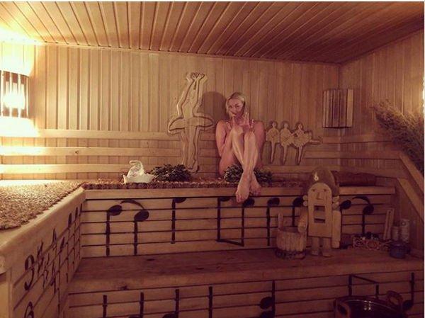 Анастасия Волочкова снова опубликовала голое фото из бани