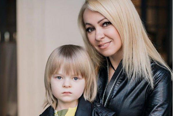 Яну Рудковскую жестко раскритиковали за неправильное воспитание младшего сына