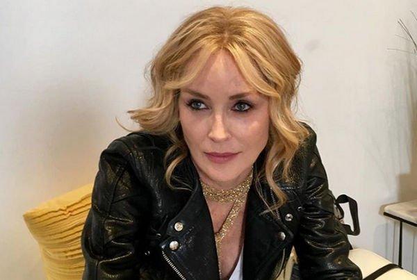 60-летняя Шэрон Стоун разместила фото без грамма косметики