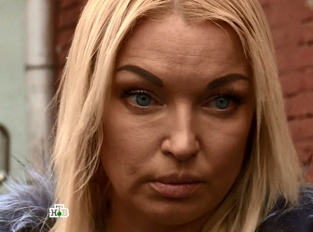 После обвинений вдомогательствах Анастасия Волочкова продолжает забрасывает ноги намужчин