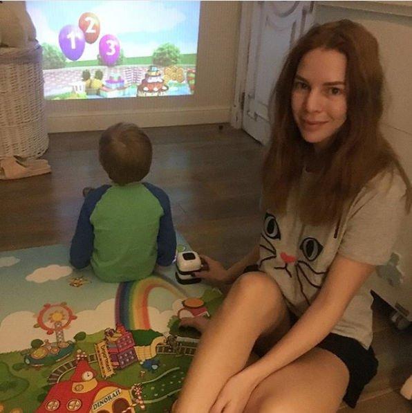 Наталья Подольская тщательно следит за своей фигурой