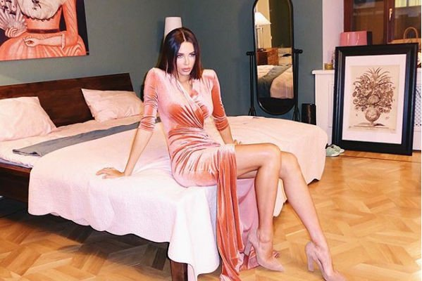 Анастасия Решетова ответила на слухи о расставании с Тимати, разместив новое фото