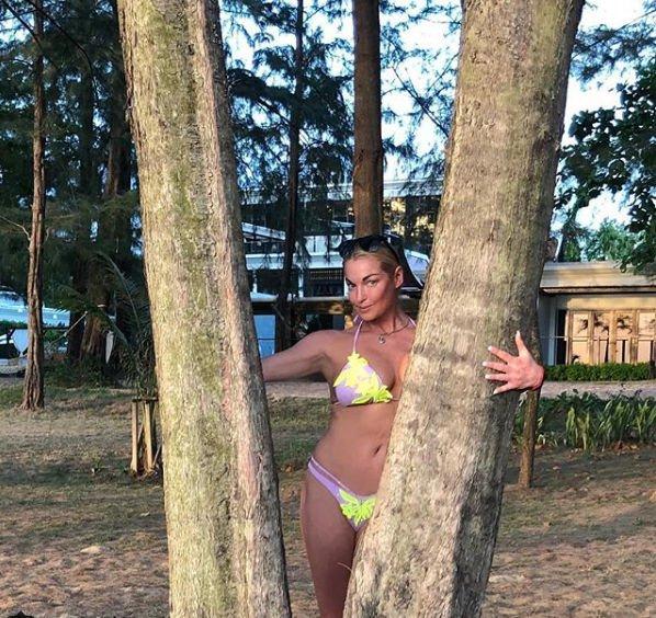 Анастасия Волочкова показала обнаженную фигуру на отдыхе