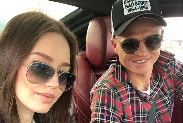 Анастасия Костенко и Дмитрий Тарасов впервые посетили мероприятие после объявления о беременности