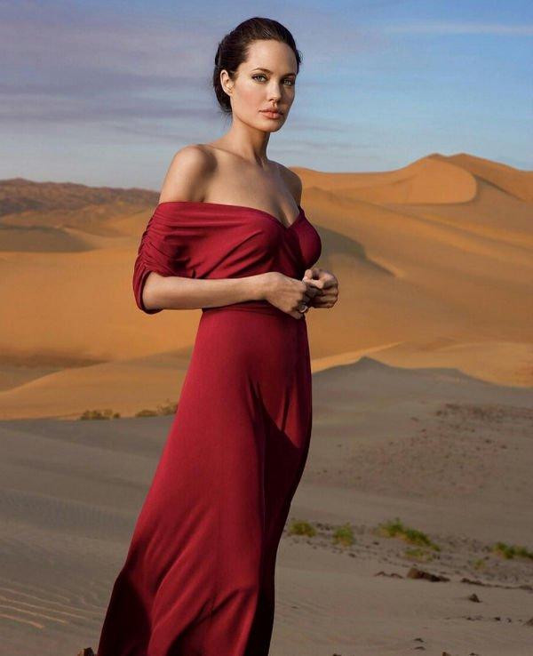 Анджелина Джоли потеряла сознание из-за истощения