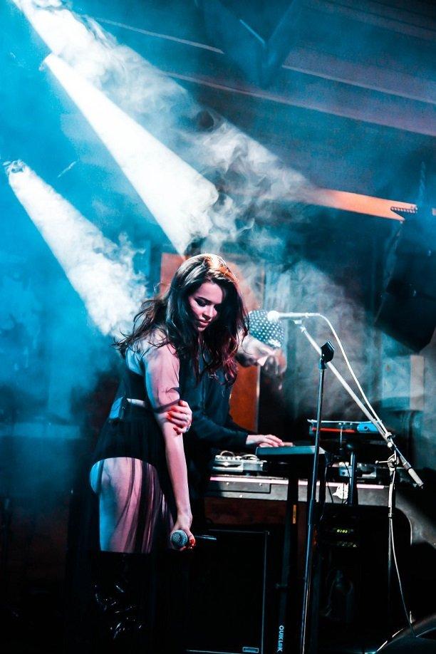 Елена Князева презентовала альбом с провокационным названием «Больше, чем голая»