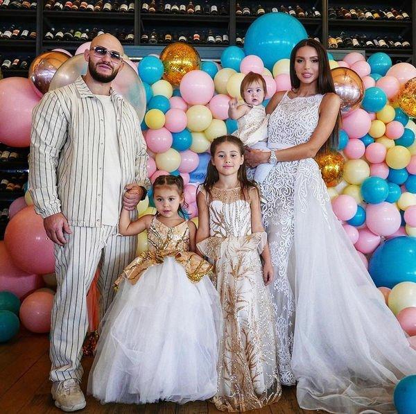 Оксана Самойлова жестко раскритиковала звездных блогеров