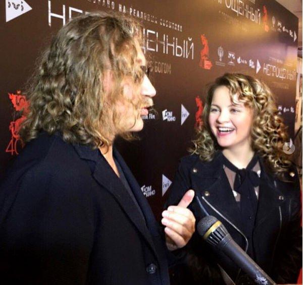 Милый снимок Игоря Николаева с дочкой произвел фурор в Сети