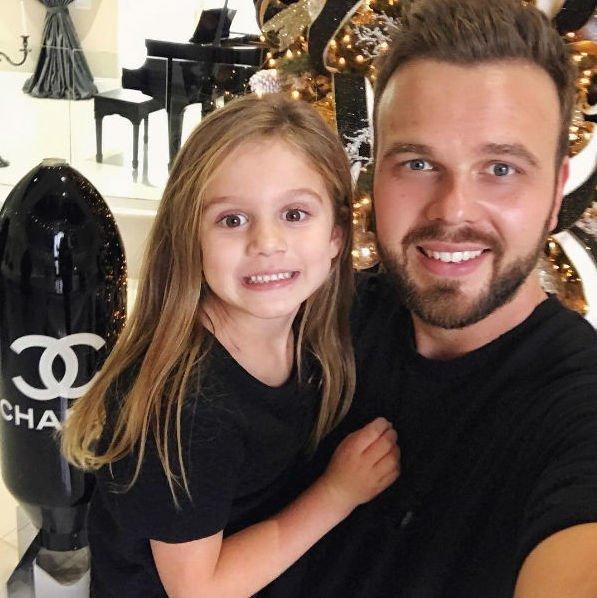 Второй муж Анны Седоковой хочет сам воспитывать их дочь
