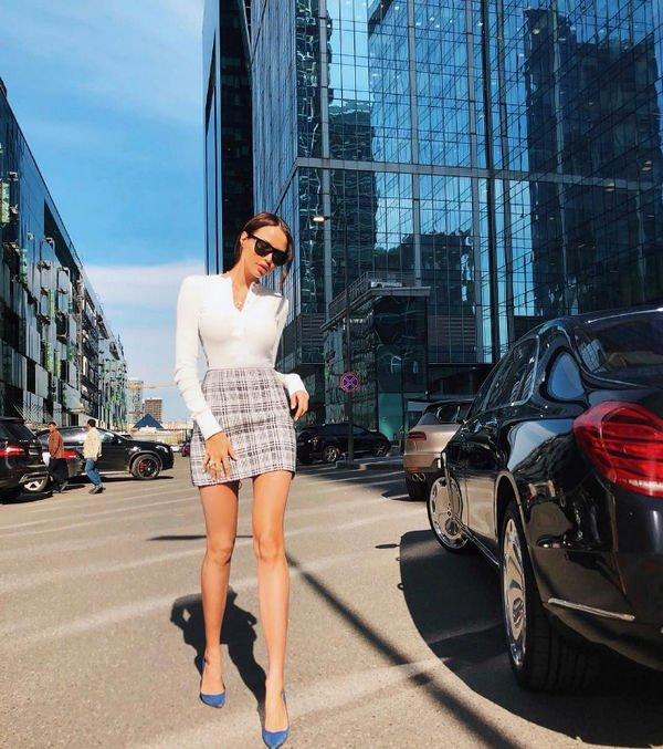 Длинные ноги Анастасии Решетовой вызвали восторг ее фанатов