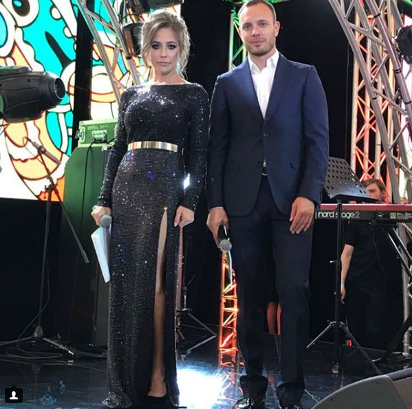 Юлия Барановская в сексуальном платье вызвала восторг фанатов