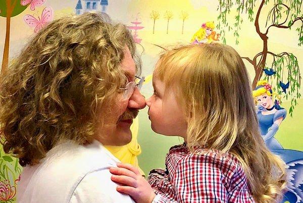 Двухлетняя дочь Игоря Николаева растрогала его фанатов