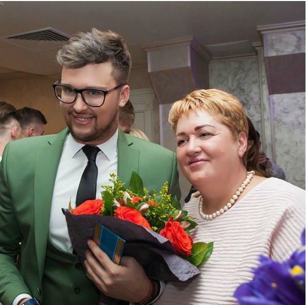 Родные Егора Холявина пытаются уговорить его от пластических операций
