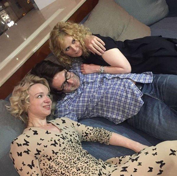 Андрей Малахов был застукан в постели с другой женщиной