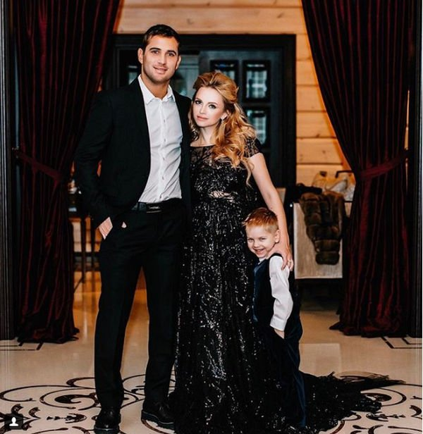 Экс-супруга Александра Кержакова прокомментировала новость о его разводе