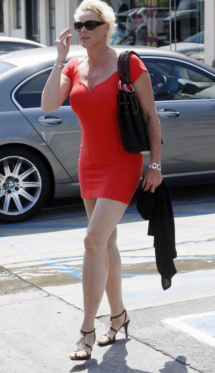 Бывшая супруга Сильвестра Сталлоне станет матерью в 54 года