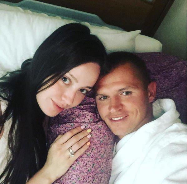 Дмитрий Тарасов поддержит Анастасию Костенко на родах
