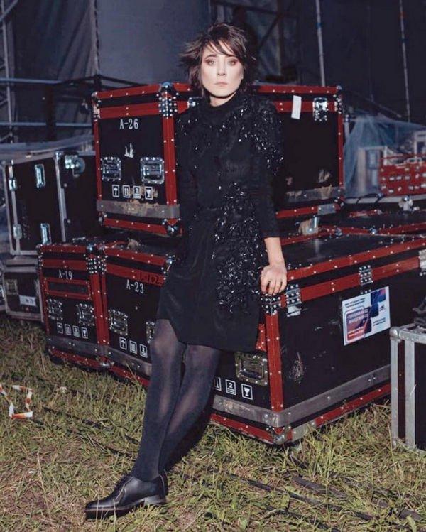 Снимок Земфиры в женственном наряде привел в восторг ее фанатов