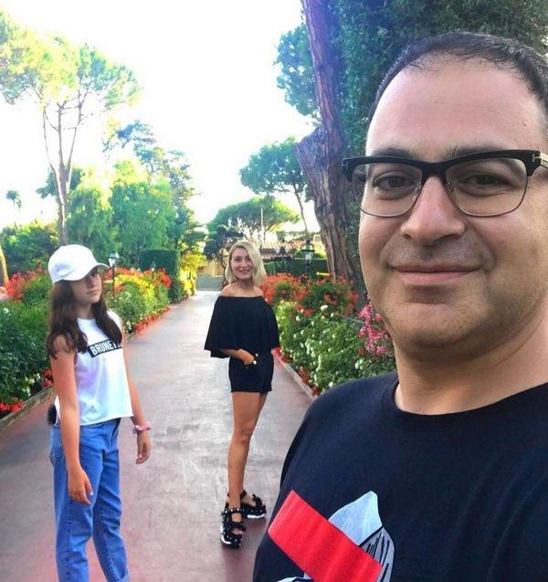 Гарик Мартиросян накинулся с критикой на Гарика Харламова