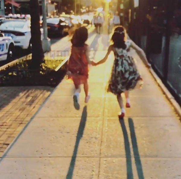 Редкое видео дочери Кэти Холмс умилило ее поклонников