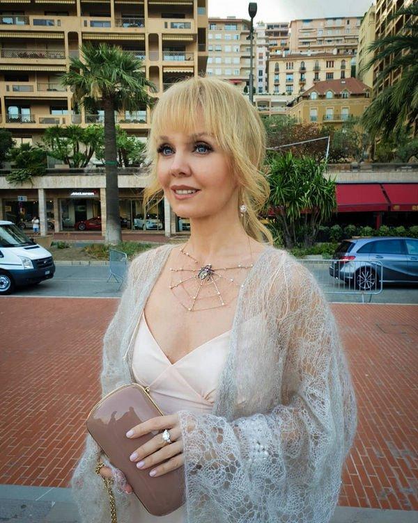 Валерия получила от мужа роскошное кольцо в честь годовщины свадьбы