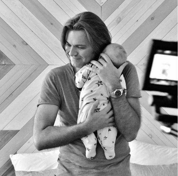 Милый снимок Дмитрия Маликова с сыном растрогал его поклонников