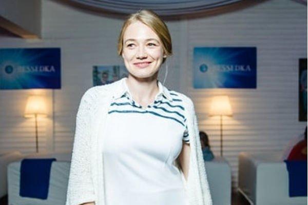 Оскана Акиньшина опубликовала фотографию подросшей дочери