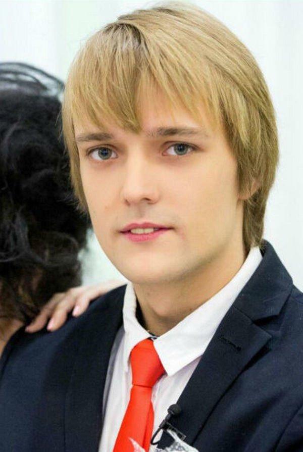 Появилась подробная информация о конфликте Сергея Зверева и его приемного сына