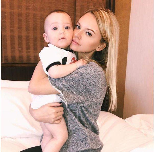 Александр Кержаков забрал у жены ребенка