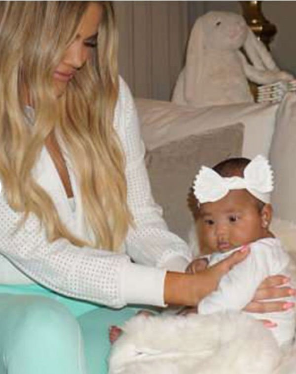 Хлои Кардашьян радует поклонников снимками своей дочери