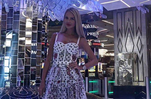 Мария Погребняк поделилась снимками с отдыха с семьей в Дубае