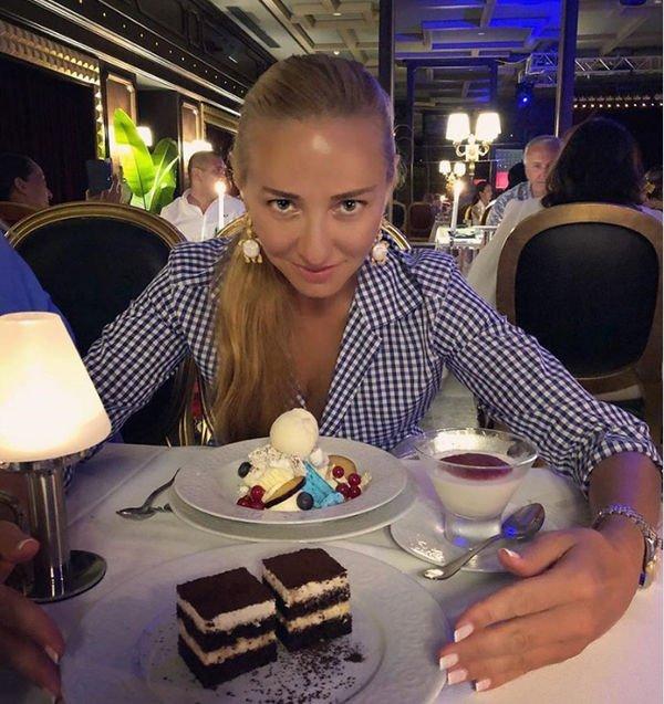 Татьяна Навка подсела на сладкое
