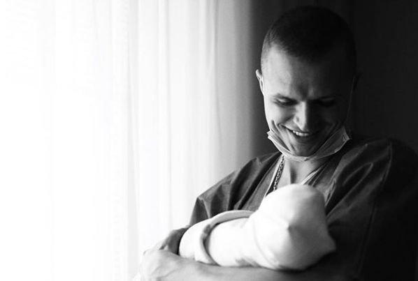 Дмитрий Тарасов поведал в подробностях о рождении дочки