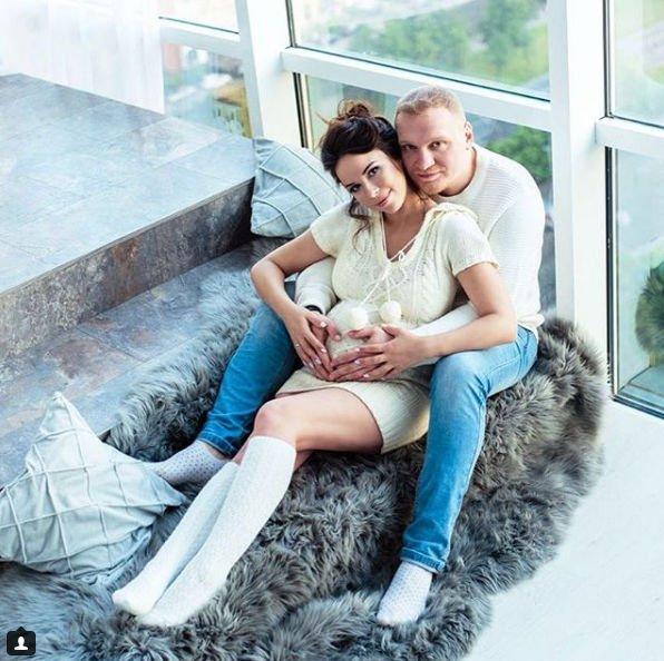 Сергей Сафронов отправится на гастроли, чтобы не видеть роды супруги