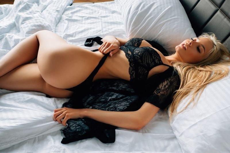 Фото блондинки Екатерины Чернышёвой в постели разлетелись по Сети