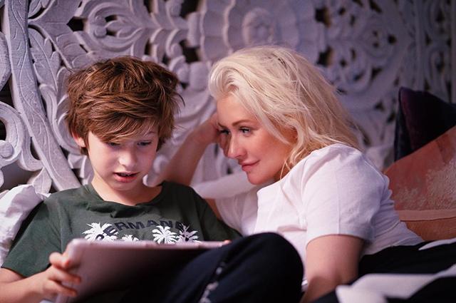 Кристина Агилера впервые за долгое время выложила фото сына