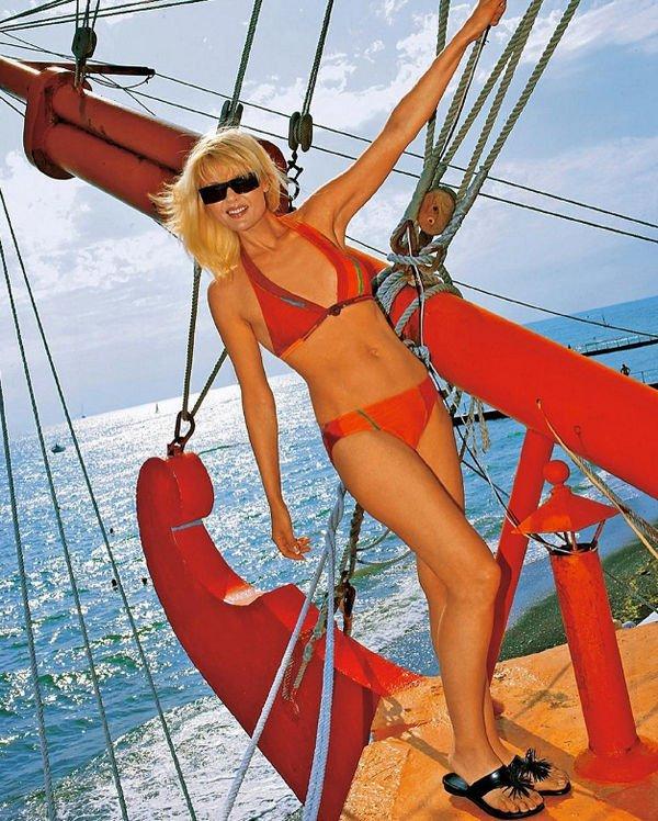Фигура 48-летней Юлии Меньшовой в бикини вызывает восхищение
