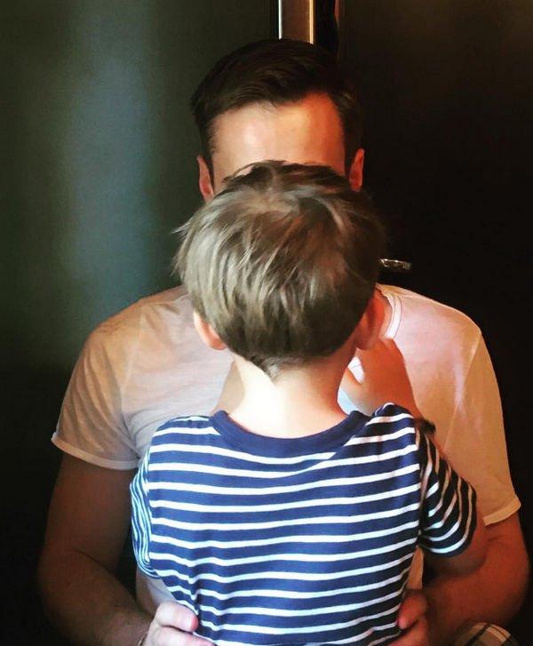 Дмитрий Шепелв подвергся жесткой критике из-за длинных волос сына
